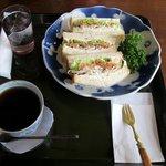 ダルセーニョ - 料理写真:スモークサーモンのサンドイッチのセット(1470円)
