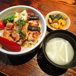 炙屋 十兵衛 - 焼鳥丼のセット