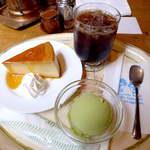 18525740 - 酒粕プリン(ケーキセット¥840)抹茶アイスも付いて、スウィート&ボリューム満点