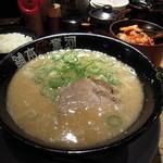 河童ラーメン本舗  - 河童ラーメン(680円)・・・スープ濃いめを選択・ライス100円・キムチは無料!