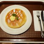ジューシー トランプ - モーニングパンケーキセット《パンケーキ2枚》(\650、2013年4月)