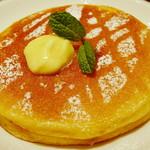 ジューシー トランプ - モーニングパンケーキセット《パンケーキ2枚》(アップ、2013年4月)