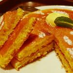 ジューシー トランプ - モーニングパンケーキセット《パンケーキ2枚》(断面、2013年4月)