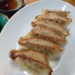 太尊 - スッポンの、スープを掛けて焼いた餃子は甘めで、コラーゲンで皮目がチリチリってなってるよ(o^^o)¥250