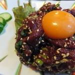 しばた焼肉と肉料理 - 馬ユッケ 780円