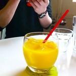 HAMA CAFE - オレンジジュース♥コップかわゆす