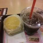 18539776 - 2013.04.23  チーズバーガー160円!アイスコーヒー100円!