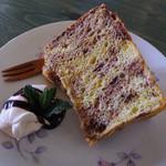 カフェ カカ - シフォンケーキ(ランチの有料オプションのデザートから選択)