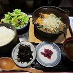 海宴丸 - ピリ辛煮込み定食