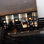 XEX TOKYO / The BAR&Cafe - ゆったりしたスペースがあります