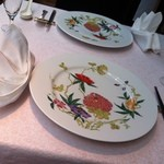 ワキヤ 一笑美茶樓 - 美しいお皿