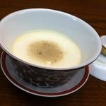 ワキヤ 一笑美茶樓 - きのこの旨味と特製アツアツ蒸し豆腐