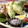 亜門 - 料理写真:県魚グルクンのしそ巻き天ぷら780円! 沖縄の県魚グルクンをシソで巻き揚げた、オリジナル創作料理(*^_^*)