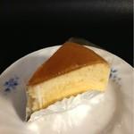 エスプリ・ド・ルミエール - チーズケーキ(290円)