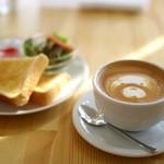イージーライフカフェ - 料理写真:トーストセット(400円)