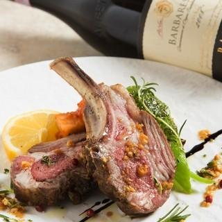 シェフのふるうお料理にピッタリなワインをご用意しております。