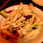 中国茶房8 - 2013年4月24日唐辛子の酢漬けと豚耳