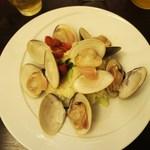 シェフひとり10席だけのイタリアン Trakane - 蛤のリゾット、グリーンアスパラ、プチトマト添え