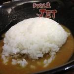 18572448 - カレーラーメンの〆はご飯を投入!