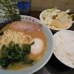 六角家 - 海苔と味玉、きゃべちゃーごはんが+200円で!