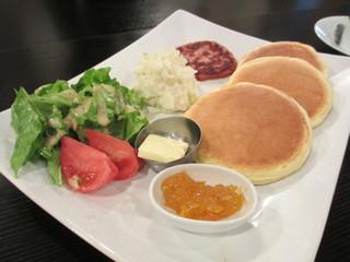 ルーポリック - マッシュポテトとソーセージパテのパンケーキ