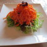 デルソレ - 料理写真:パエリアランチ(1800円)のサラダ。人参がおいしかった。