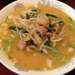 東海飯店 - タンタン肉ラーメン       会員限定メニューらしく、激ウマ