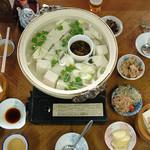 会津屋豆腐店 - 湯豆腐