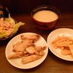 ナンクルナイサ きばいやんせー - バイキングで食べ放題な惣菜