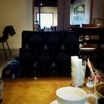 チリン - おうちカフェな店内
