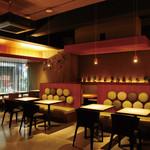 8G shinsaibashi - カジュアルでオシャレな空間は賑やかな飲み会の場としても大好評♪