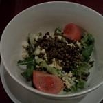 イヴ テラス - レンズ豆、玉子とトマトのサラダ
