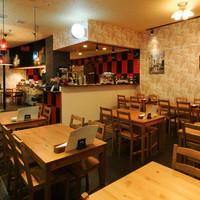 CafeBar Luz - 貸切スペースは20名から50名様くらいまで