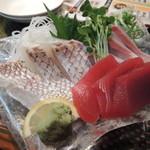 男組 釣天狗 - 【石鎚コース@1580円】 の刺身3種盛はどれも肉厚で新鮮^^