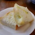 ピースマイル - 自家製パンも美味しいです