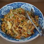 沖縄食彩 あじまあ - カウンターに並べられたオバンザイ
