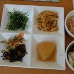 沖縄食彩 あじまあ - 盛りつけました