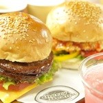 チェリー ビーンズ - ハンバーガー200円~ お得なバーガーセットは540円~