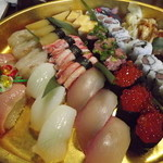 鮨飛脚 - 料理写真:「極3人前」6,600円11種類のうち左側は大トロ??らしいです。