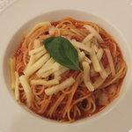 ハーティーパーティー アメリア稲城店 - とろけるチーズとバジルのトマトソーススパゲッティ
