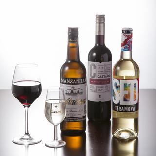 ソムリエが常駐!お好みのワインをセレクトします。