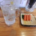 串笑 - 麦焼酎と赤ウィンナー