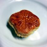 18620349 - パイ菓子。こちらは普通