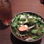 花様 - 近江野菜サラダはおかわり自由です