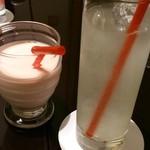 東銀座 羅豚 - いちごミルクとジンジャーエール
