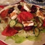 エーゲ海 - ギリシャ料理! 山羊のフェタチーズののったサラダとかムサカとか。 美味しかったけどなんとなーく、くつろげなかった(>_<) でもまた行きたい*