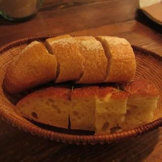 アヒルストア - 料理写真:フランスパンとフォカッチャ