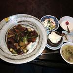 18629325 - 豚の角煮丼ランチ(1100円)。