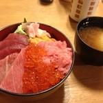 まぐろ屋 丸豊水産 - 海宝丼