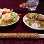 バーンリムパー 新宿三丁目2号店 - セットのサラダと日替わり丼